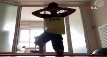 Fenerbahçeli futbolcular, evde çalışmalarını sürdürüyor