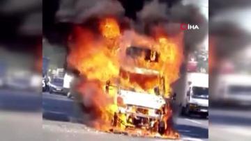 Son dakika haberi   Tem Otoyolu nda kamyonet alev alev yandı