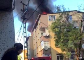 Avcılar da mangaldan sıçrayan alevler evin çatısını yaktı